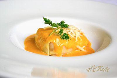 Raviolis de centollo y marisco, pasta fresca y crema de cigalas