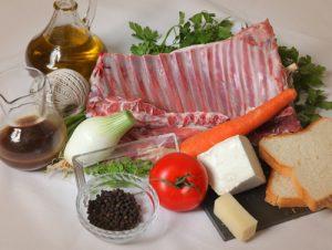 Ternasco asado. ravioli, queso de oveja y brotes de alfalfa